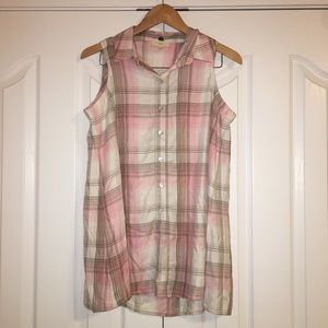 Cupio Pink Gray Plaid Sleeveless Button Down Top